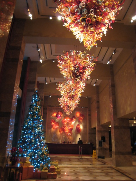 Christmas decoration tree stunning light Hilton Hotel Lac-Leamy Ottawa Gatineau
