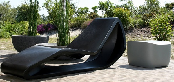 Modern Outdoor furniture by Qui est Paul?