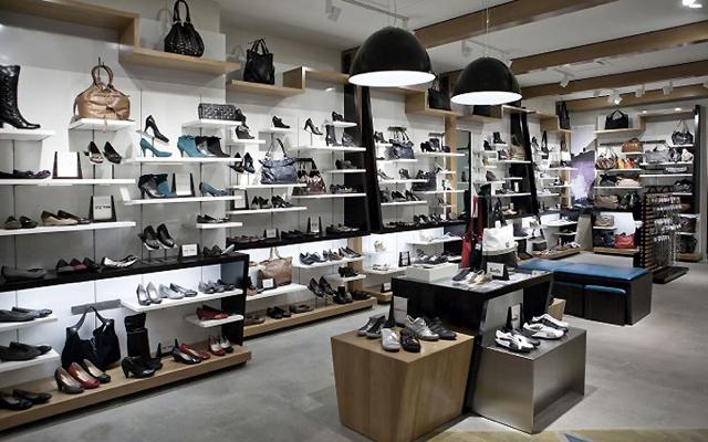 Locale Aldo shoe store Modern Ottawa Pompei A. D.